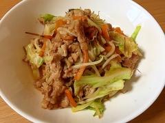 あごだしの旨みがたっぷり☆和風肉野菜炒め