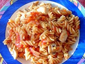 鍋一つで★節水トマトソースのパスタ★