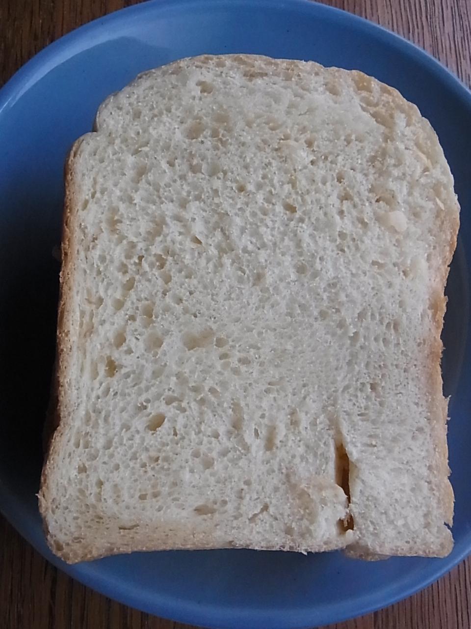 ホームベーカリーでデイリーミルク食パン