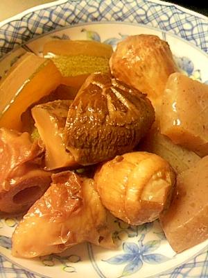 里芋とかりもりの煮物