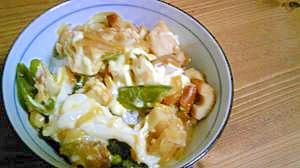 豆腐とちくわとスナックえんどうのマヨ丼