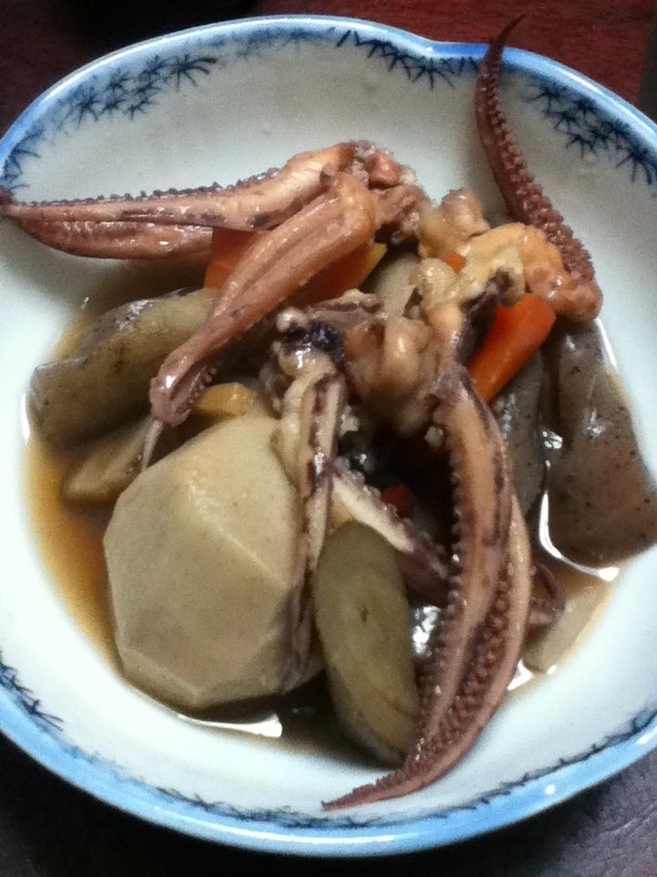 イカゲソと根菜の麺つゆ煮