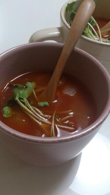 ヘルシーなトマトスープ