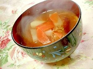 具沢山蕪と油揚げ&人参&薩摩芋の根菜みそ汁