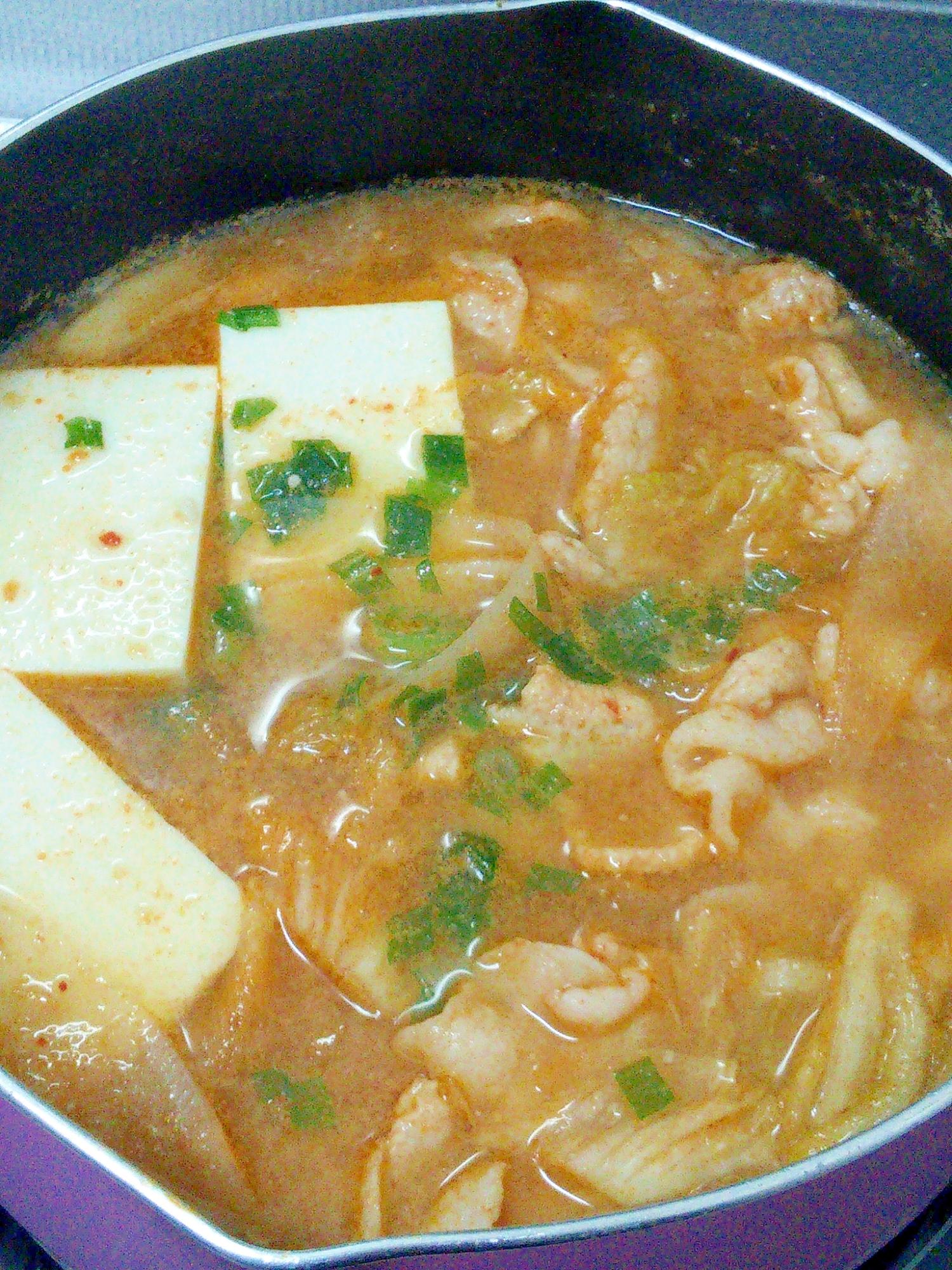 5. ピーラー大根の味噌キムチ鍋