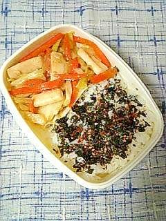 ☆イカとキャベツの味噌炒め海苔明太子弁当☆