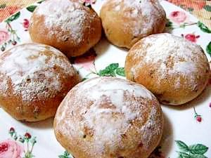 天然酵母で作るレーズンクリームチーズパン