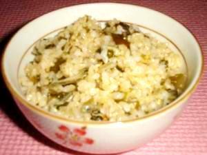 食べる小魚とわかめの玄米ご飯