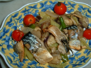 しし唐と塩サバの炒め物