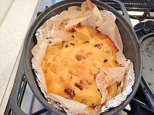 ダッチオーブンで作るフルーツケーキ