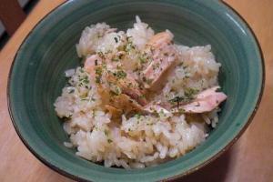 新米と秋鮭がうんまい炊き込み~~~♪♪