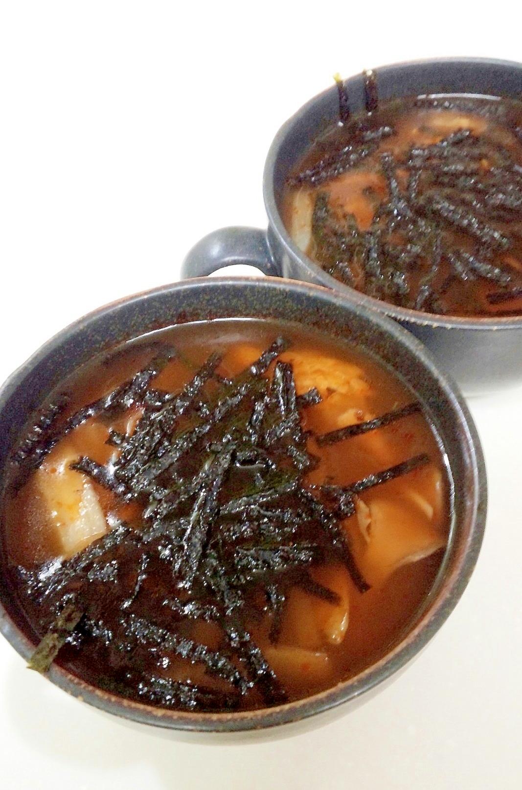 舞茸と白菜の食べるキムチ風味スープ