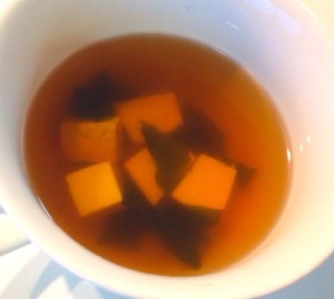 シンプル!豆腐とわかめのお吸い物