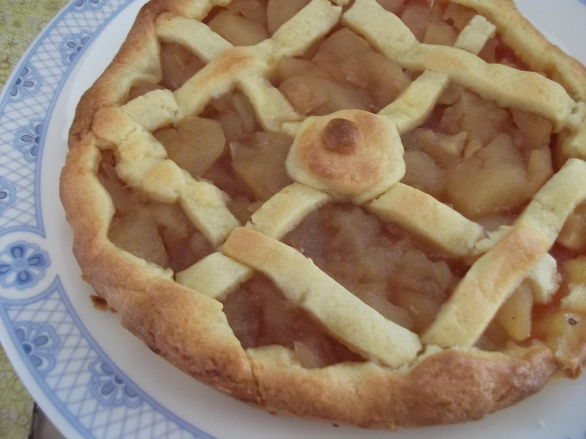 りんごとジャムの簡単タルト