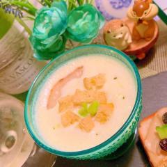 お揚げクルトンの塩えんどう豆×豆乳スープ