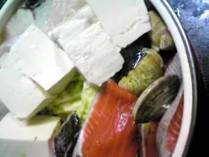 寒い夜に海鮮寄せ鍋