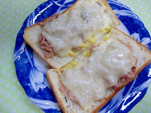 ツナ・チーズトースト