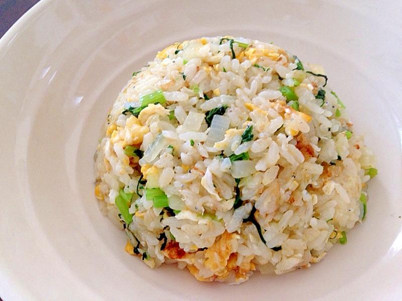 小松菜としらすの塩麹チャーハン