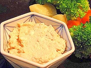 おうち居酒屋、燻製豆腐の味噌ディップ