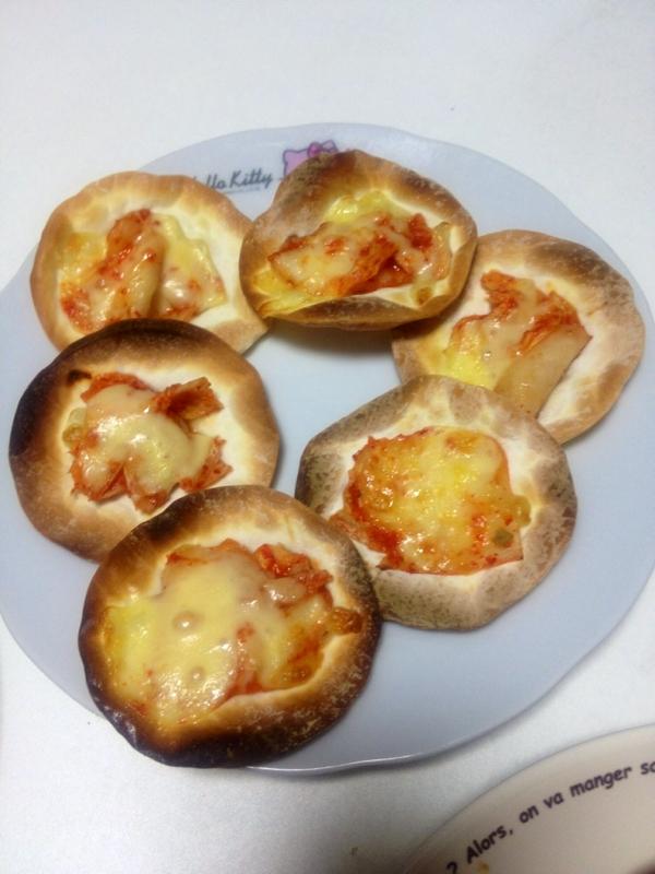 おつまみにおやつに一口ピザ簡単キムチーズ