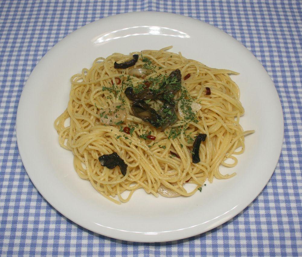 簡単☆乾燥牡蠣のアヒージョで絶品ペペロンチーノ
