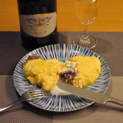 コンビーフとチーズのふわふわオムレツ
