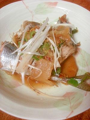 食欲の秋にぴったりのピリ辛★サンマのキムチ煮