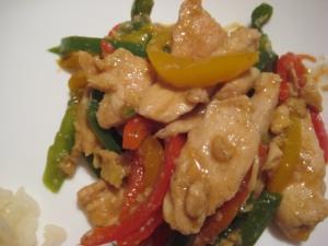鶏肉と3色ピーマンの中華炒め