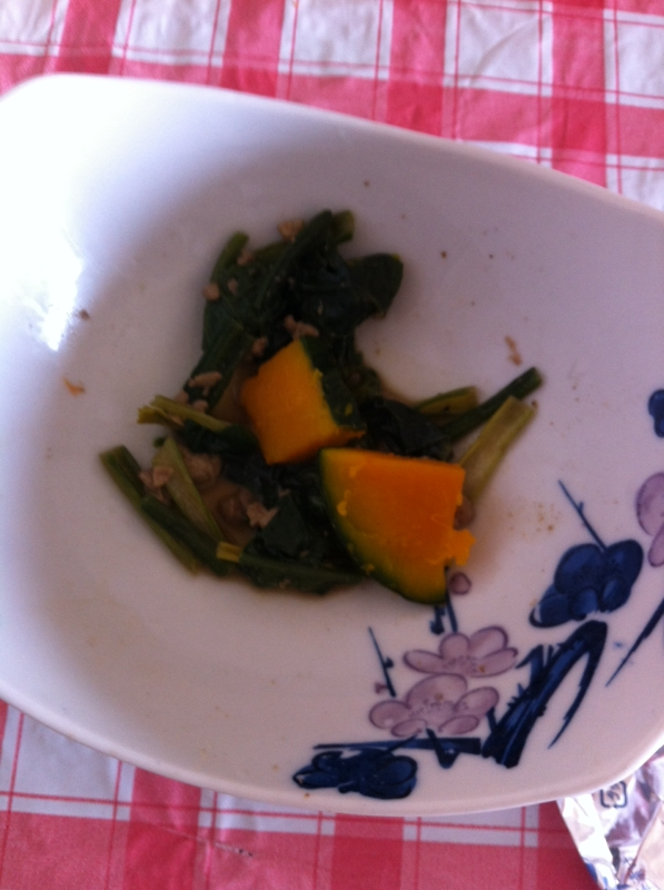 いつでも簡単ほうれん草&かぼちゃのそぼろ炒め