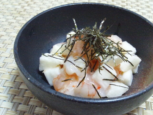 とりあえずおつまみ☆赤海老と角切り山芋のかぼす風味
