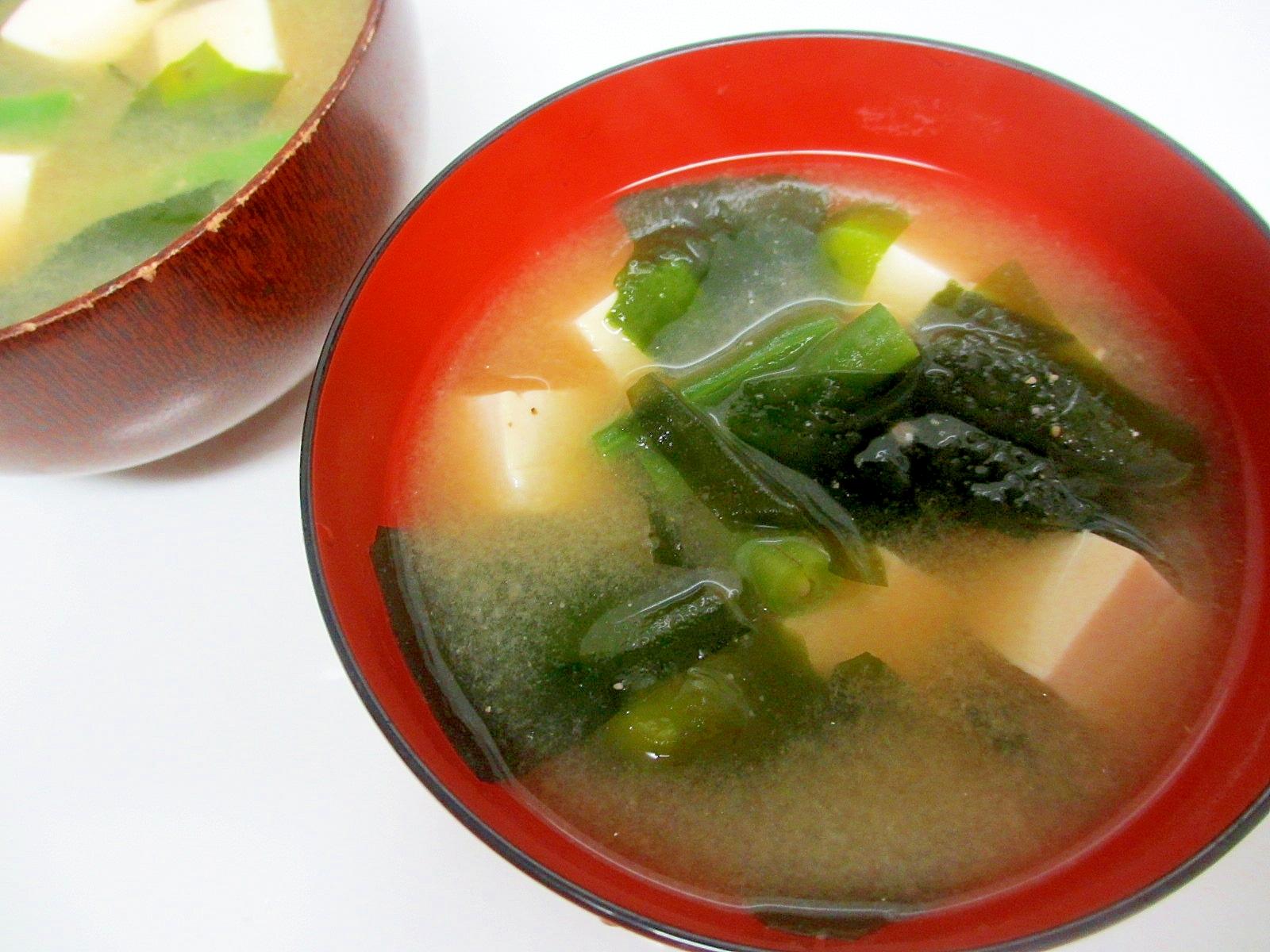 インゲン、豆腐、ワカメの味噌汁