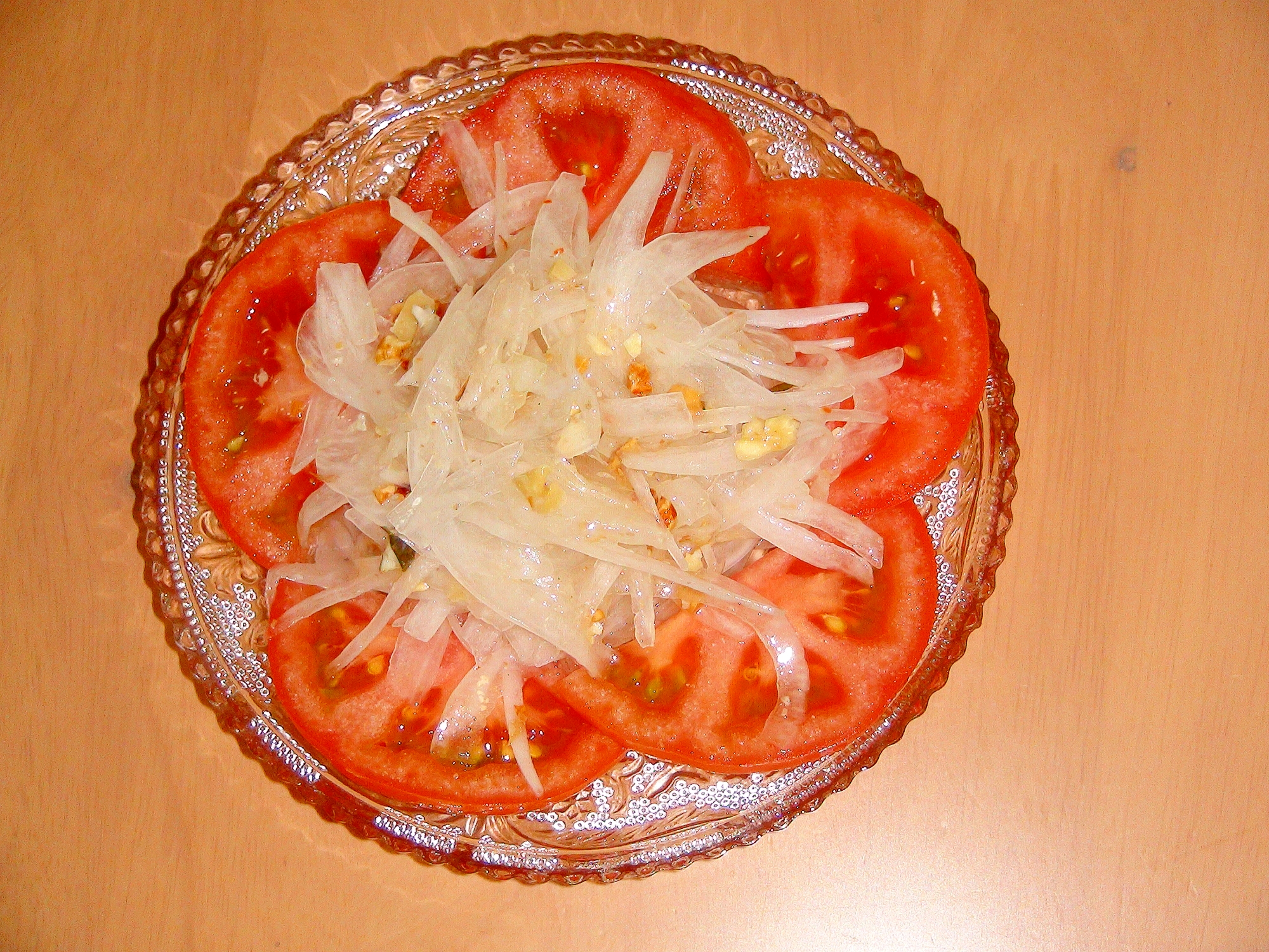 美肌効果アップトマト&新玉葱&ナッツのサラダ♪