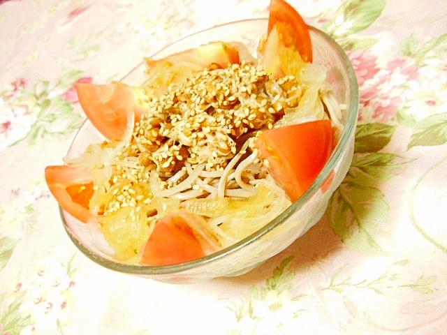 納豆と新玉葱とトマトのぶっかけ蕎麦