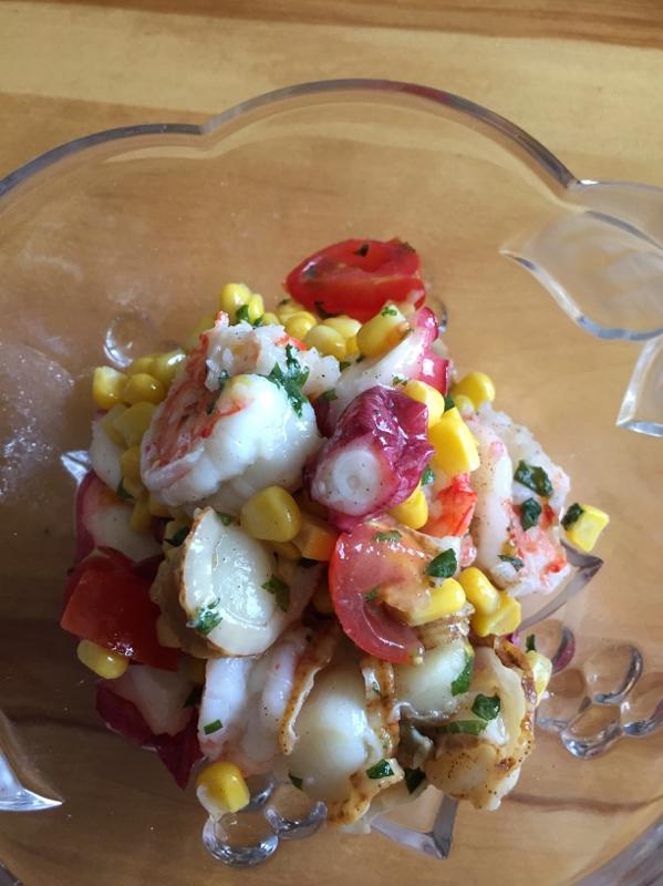 シーフードとコーンのサラダ