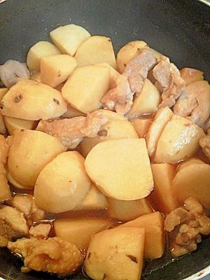 サトイモと鶏の煮もの