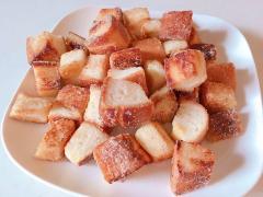余った食パンをフライパンで焼くだけ!食パンラスク