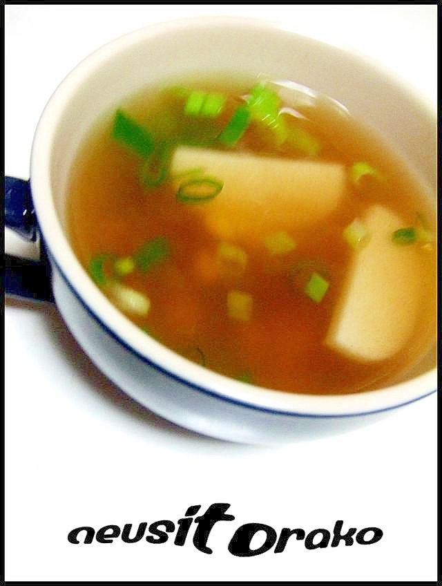 コーンとかまぼこのスープ