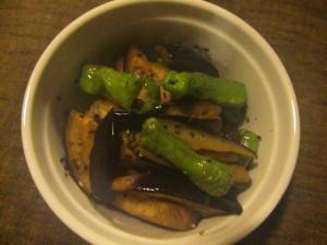 簡単副菜★ナスとシシトウの胡麻味噌炒め