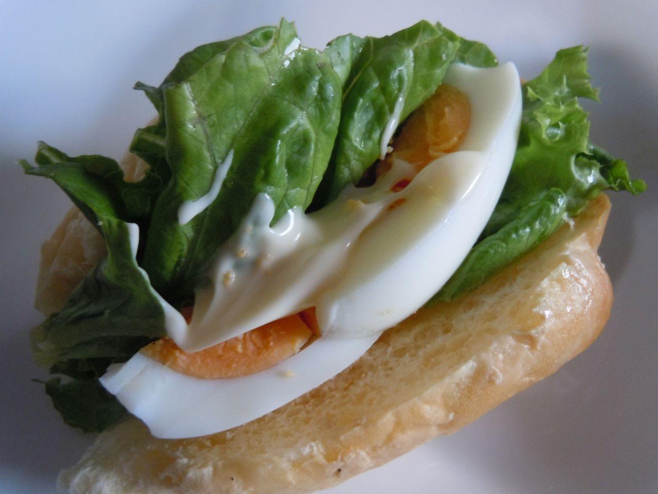 ジンジャーマヨでゆで卵ドッグ