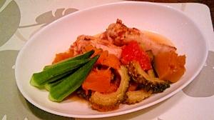 鶏手羽元・かぼちゃ・トマトの煮物