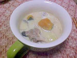 栄養満点☆まろやか豆乳スープ(白味噌仕立て)