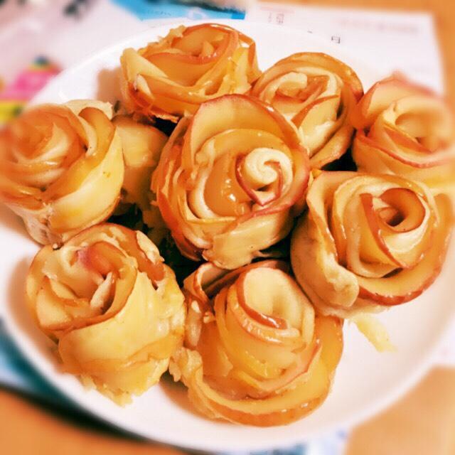 5. バラの形のアップルパイ