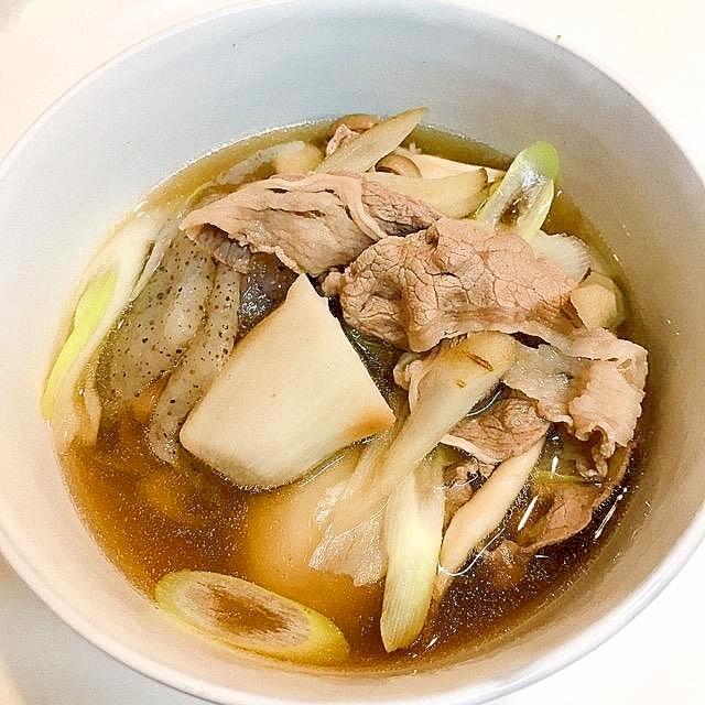 田舎の味♪こんにゃくとごぼうたっぷりの牛芋煮