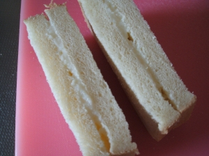 ミルククリームときな粉のサンドイッチ