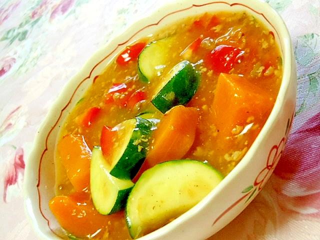 彩り良くカレー味de夏野菜とそぼろのとろとろ