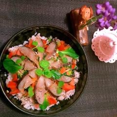 三十雑穀de燻製さわらと彩り野菜の洋風ちらし寿司