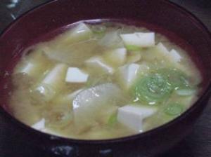 菊芋と豆腐のお味噌汁
