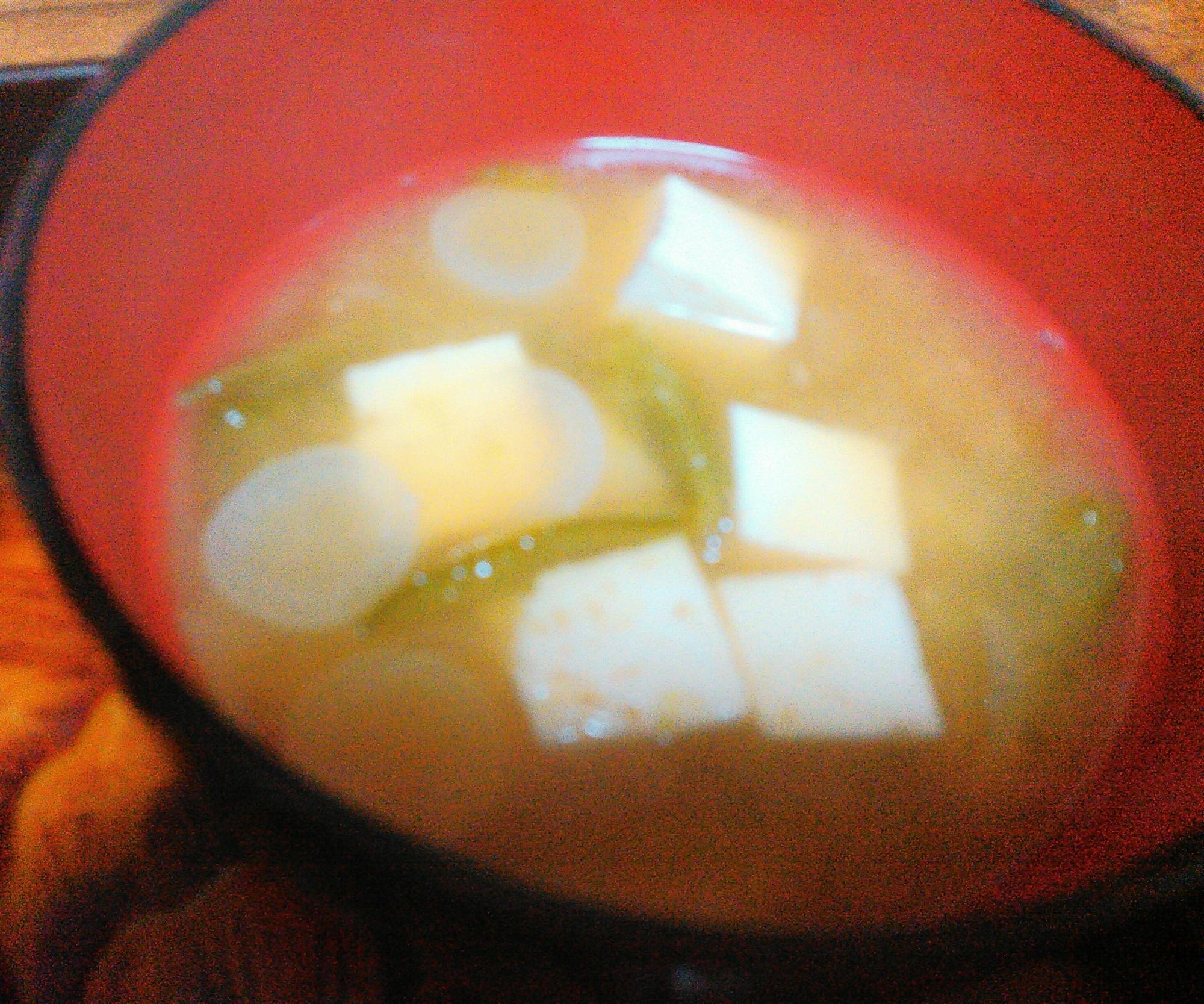 ピーマン豆腐ネギの味噌汁