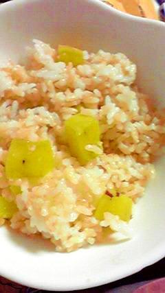 あっというまに完食!発芽玄米入りさつまいもごはん♪