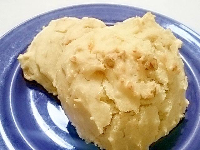 ホットケーキミックスで、くるみチーズパン